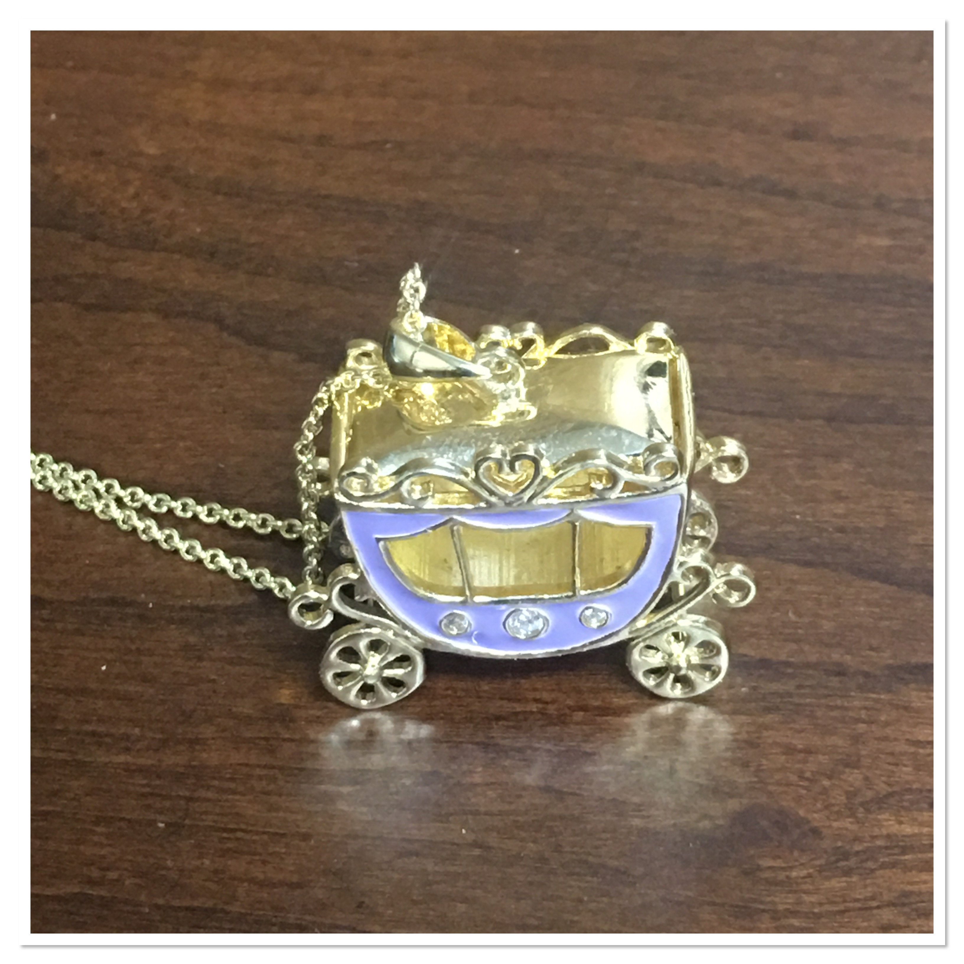 Lily Nily Purple Carriage Pendant