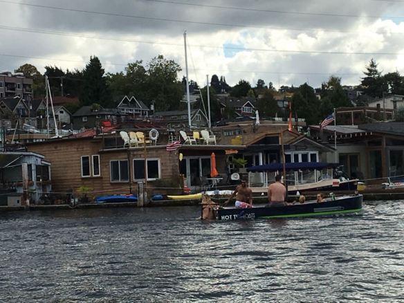 Barco com uma banheira, no Lake Union
