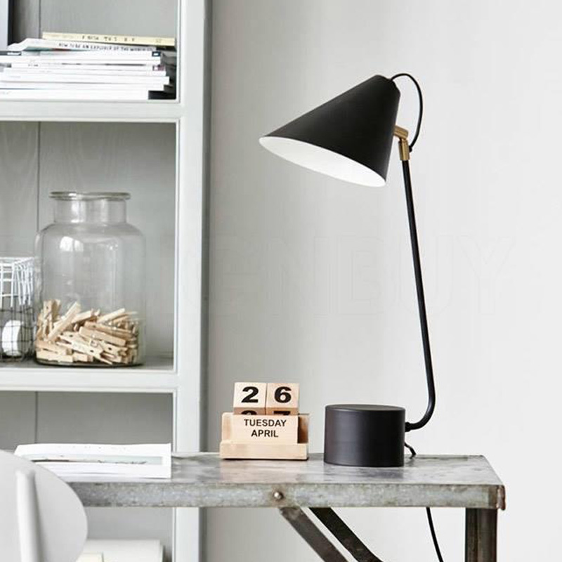 Club Table Lamp1