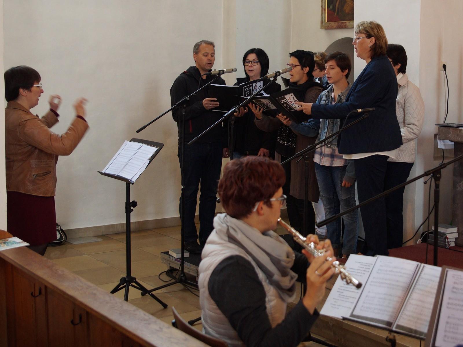 20180930-Erntedank Pfarrei Schwarzenfeld mit Gruppen Piccolo und ContactDSC03434