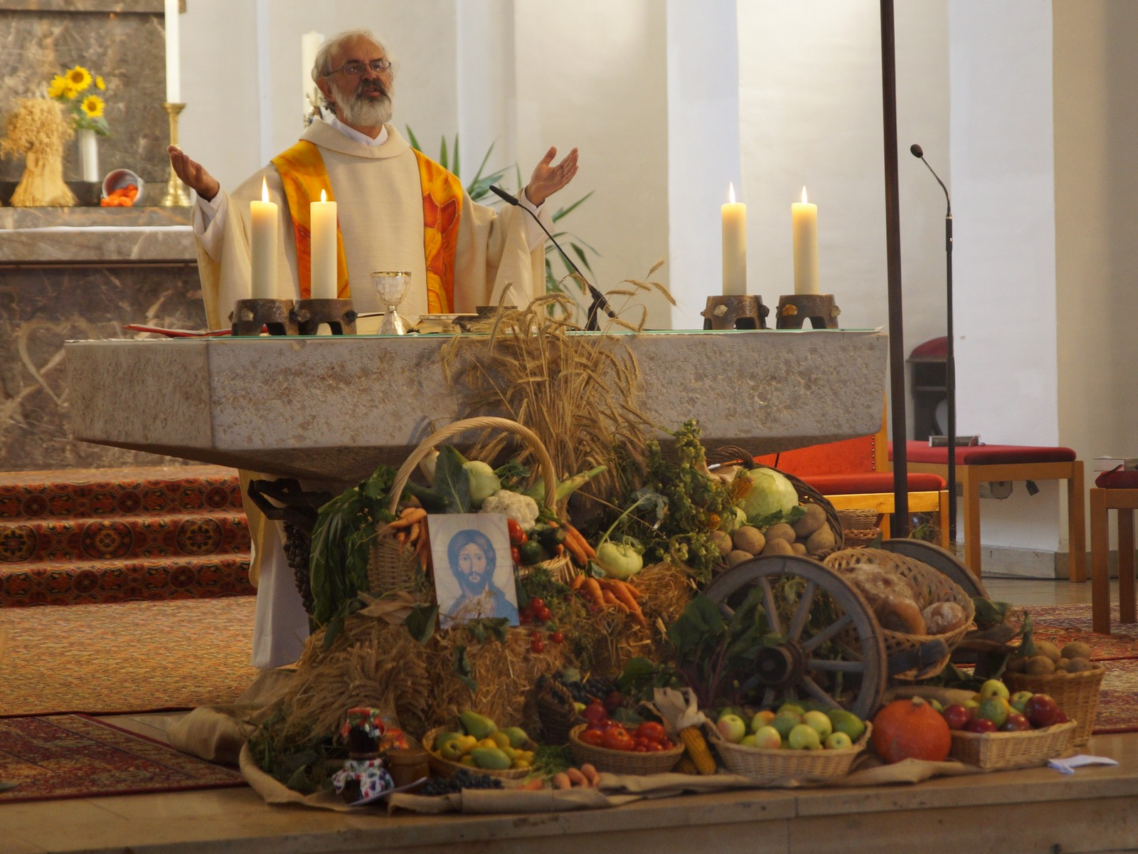 20180930-Erntedank Pfarrei Schwarzenfeld mit Gruppen Piccolo und ContactDSC03444