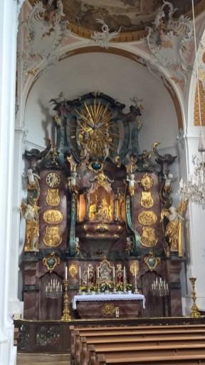 2j Pietá Altar