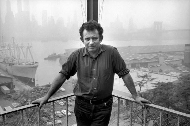 Norman Mailer poseert samen met New York