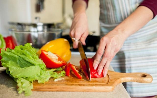 pflegedienst zu hause hauswirtschaftliche pflegedienst versorgung kochen waschen putzen reinigen bügeln