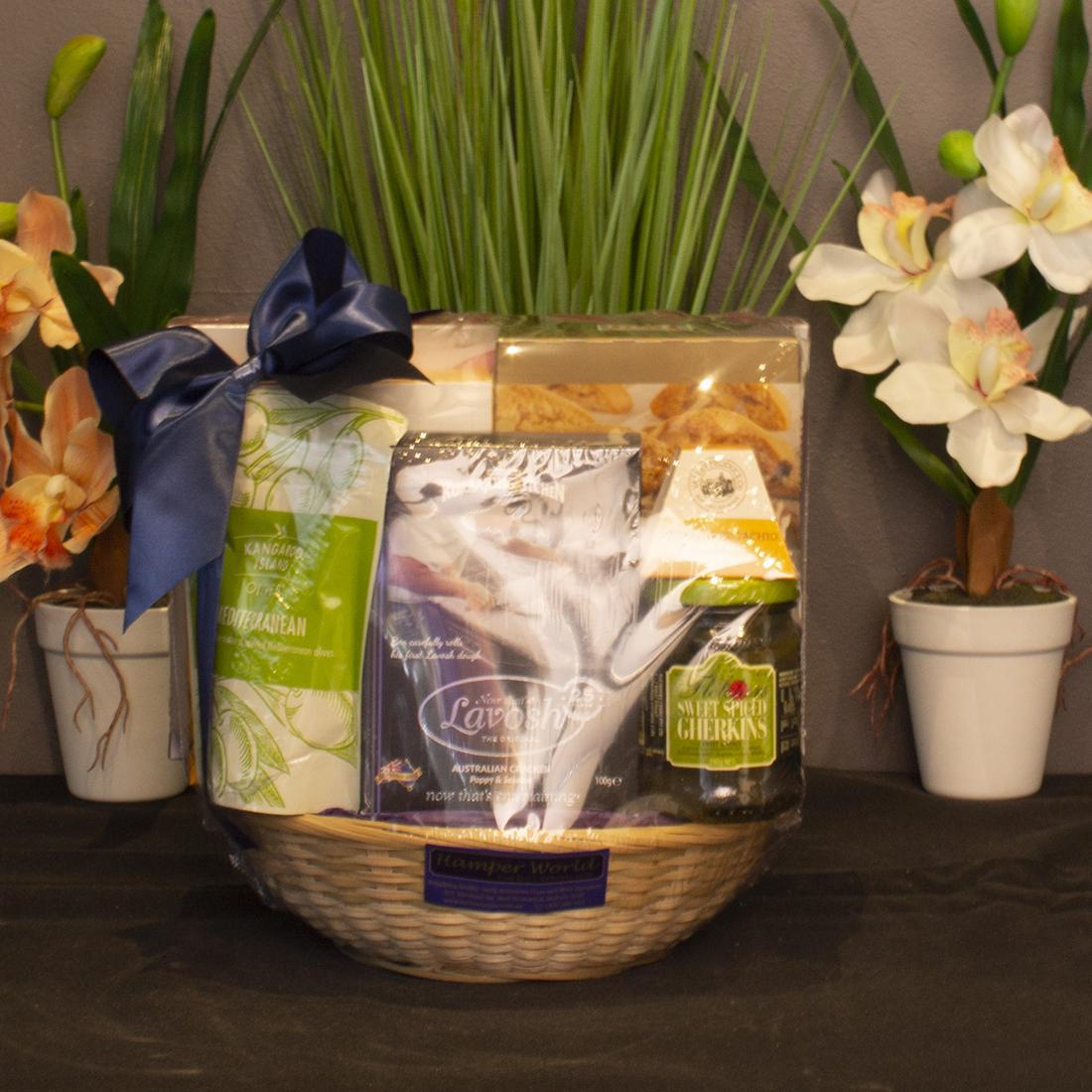 Hamper World Round Bamboo Basket With Gourmet Foods