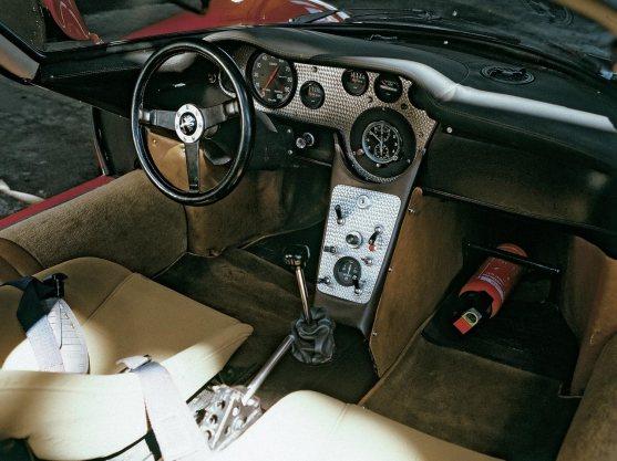 1967_Alfa-Romeo_33-2_Stradale_06