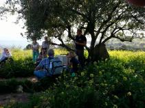 Viering met gemeenteleden aan het meer van Tiberias