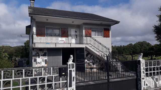 Se vende casa en Brañas, Toques