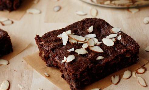 gluten free almond brownies
