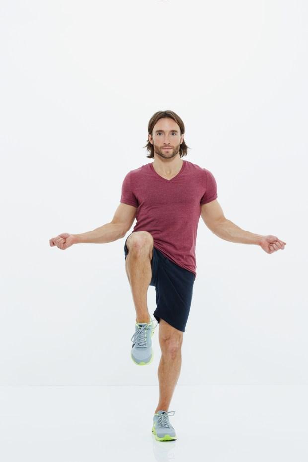 01-High-Knee-Jump-Rope-008