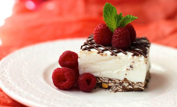 coconut-mousse-cheesecake-bars