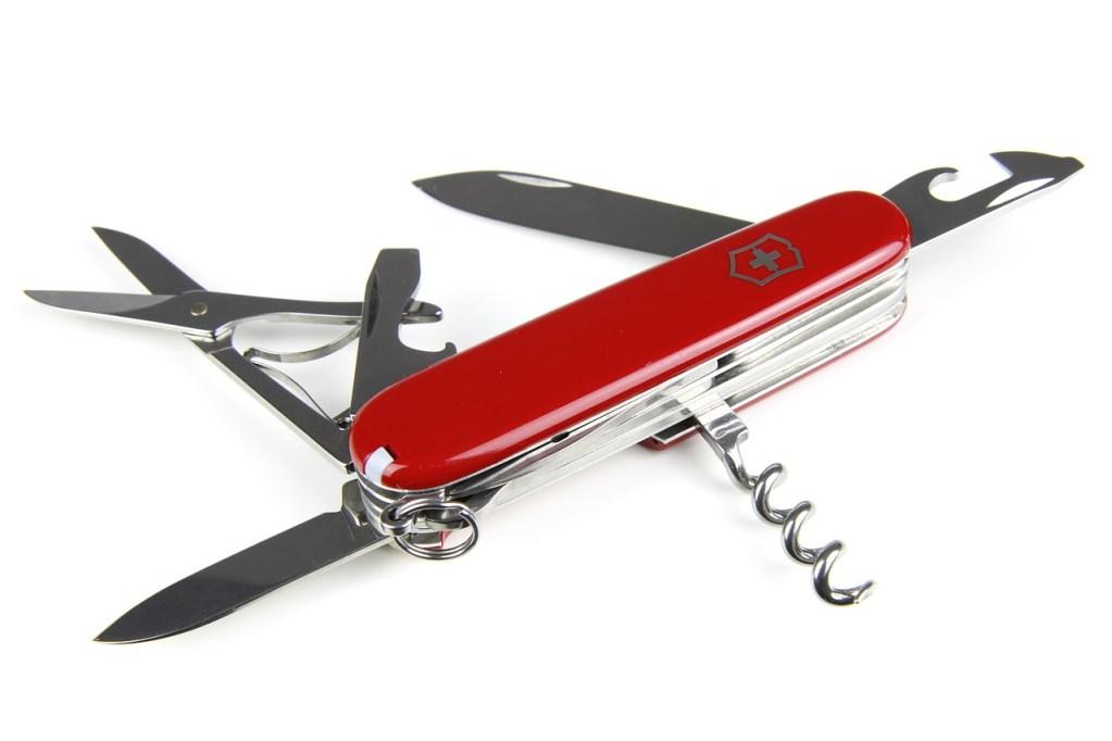 Couteau suisse marketing communication et digital