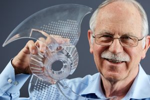 Charles (Chuck) Hull lavede den første 3D printer