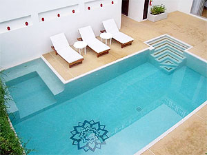 pic1-swimming-pool