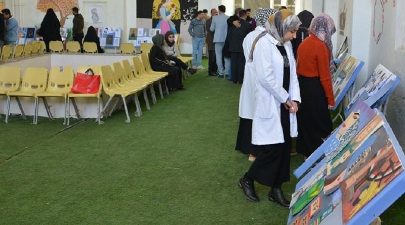 كلية الصيدلة تعرض مواهب طلبتها باستضافتها مهرجان الرسم