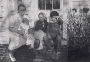 Mama with children-1950