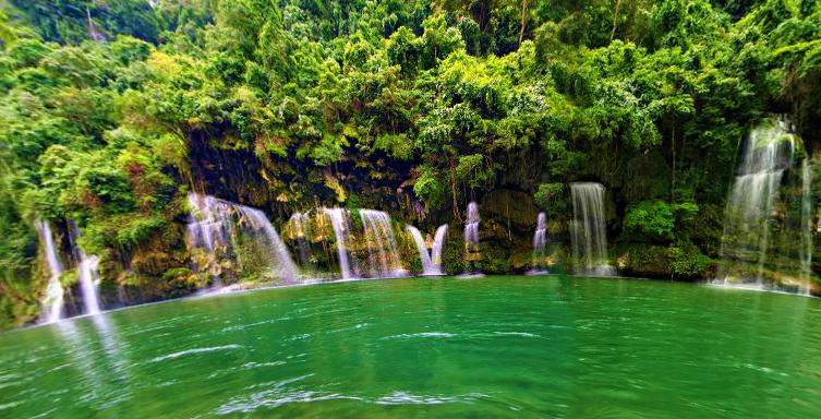 Barusibis Falls & it's numerous Cascades