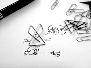 Mélange de photo et dessin : un lapin avec une tête de trombone.