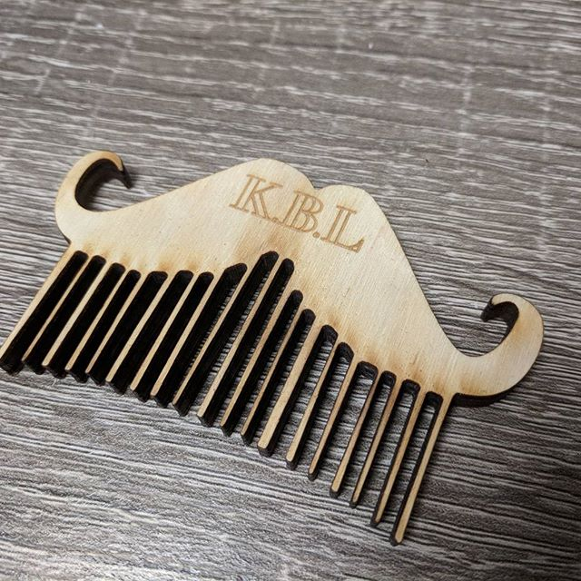 Making some cool little beard combs for my cuz :) #woodworking #beard #beardcomb #newmarket