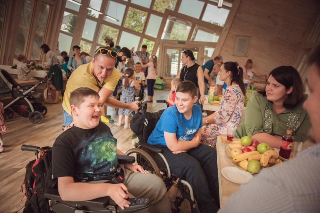 «Помните, что вы сильные, и мы вместе»: Елена Шеперд о помощи людям с миодистрофией Дюшенна