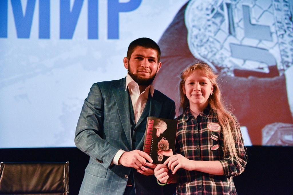 Звёзды-наставники: как знаменитости вдохновляют подопечных московской соцзащиты