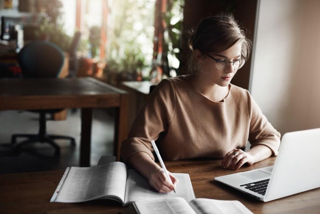 Классный час: образовательные онлайн-курсы для НКО, которые можно пройти в удобное время