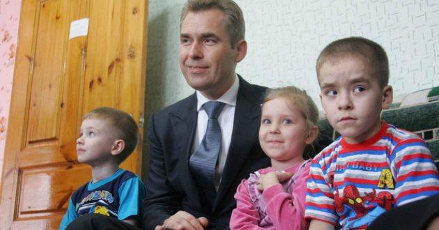 Астахановцы. Действительно ли в России сокращается количество сирот