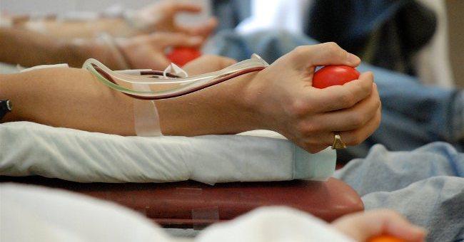 Почему в новогодние праздники нужно сдать кровь