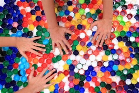 Крышечки мира: как обычный мусор превращается в добрые дела