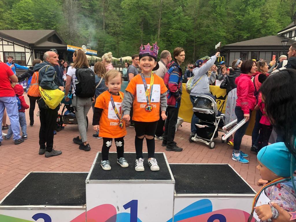 Юные участники забегов STARKIDS соберутся в Сочи, чтобы помочь детям с синдромом Дауна