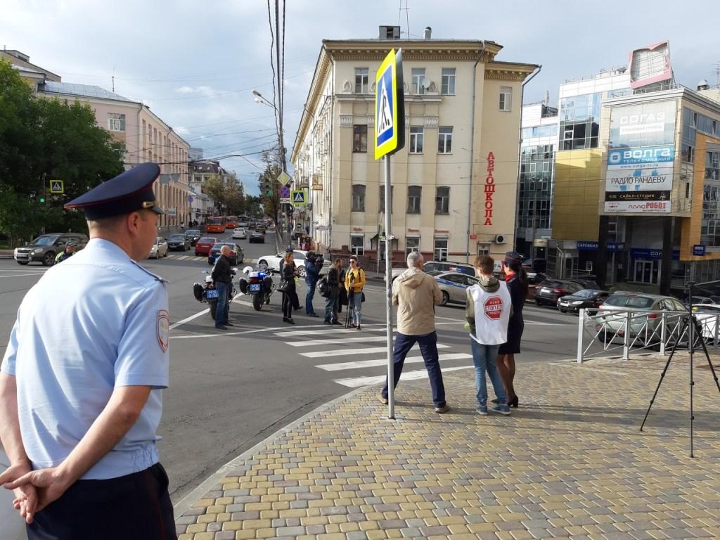 Оберегая пешеходов: совместная акция БФ «СтопДТП» и ГИБДД
