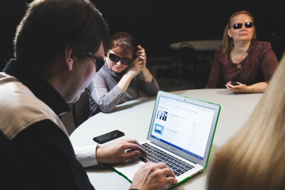 Исследование: Особый взгляд и Everland проверяют доступность онлайн-сервисов для незрячих людей