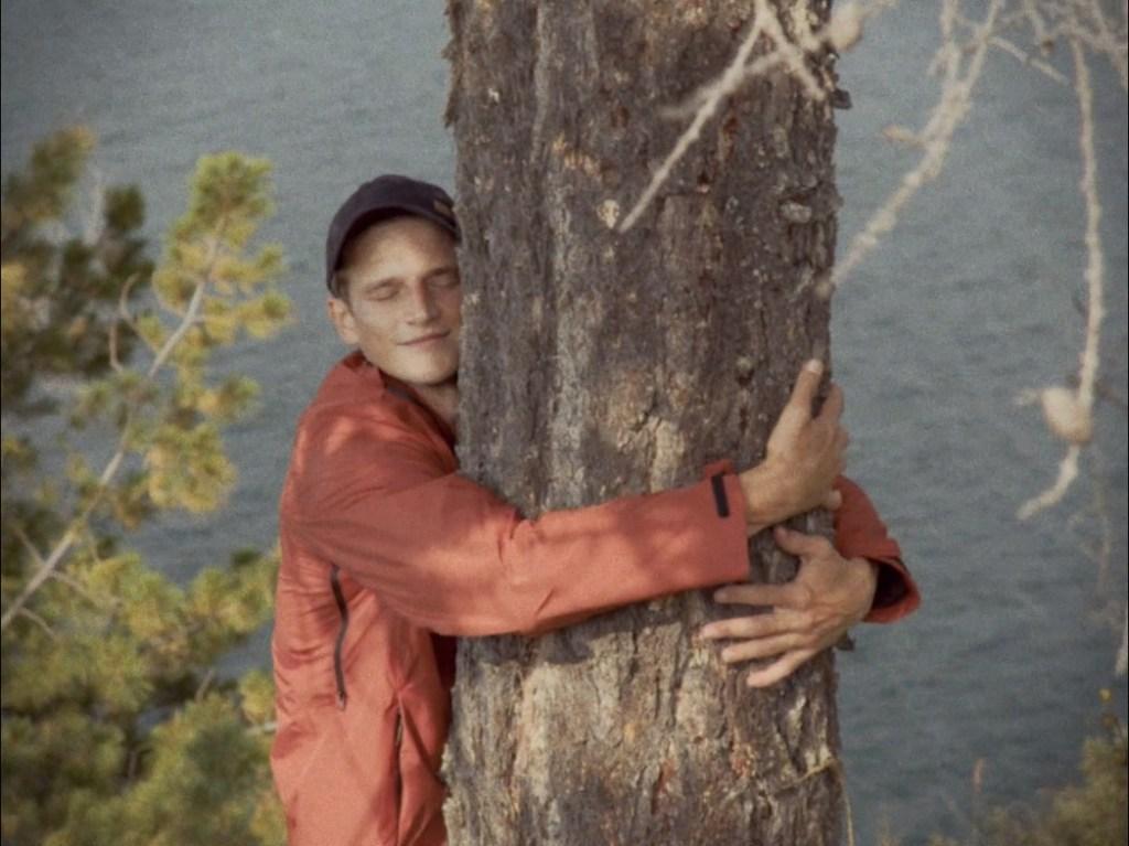 Фонд «Озеро Байкал» представил короткометражный фильм «Ответственный туризм»