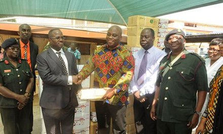 Chamber Of Mines donates GH¢100,000 To Ministry of Health & 48 Engineers Regiment