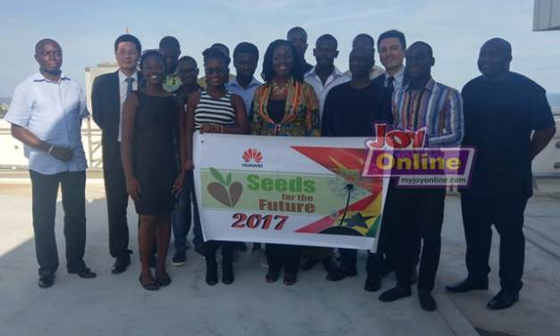 Huawei sponsors 15 students to study technology in China