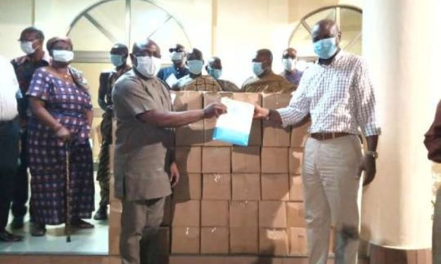 Togbe Afede gives ¢100k to Ho Hospitals and communities