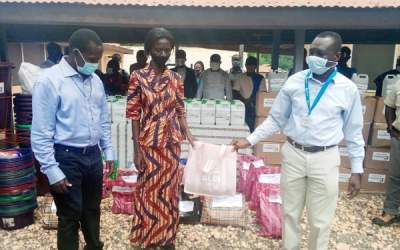 Asanko gives Amansie schools hygiene supplies