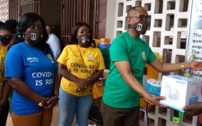 Okuapeman Past Students Assoc. gives OKUASS medical, hygiene supplies to fight COVID-19 spread
