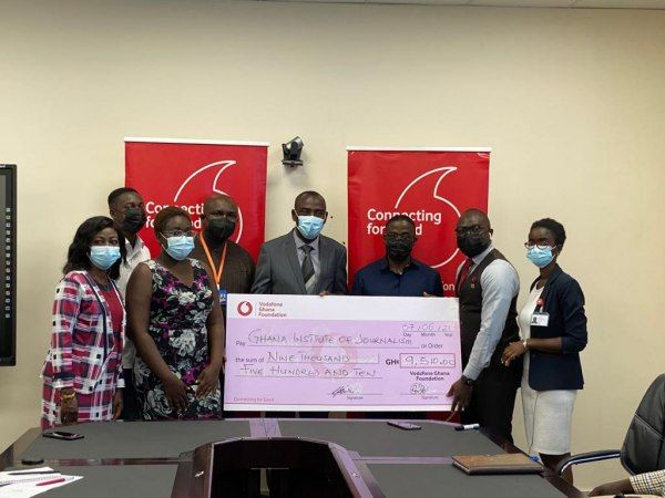 Vodafone Ghana pays off school fees for five students at Ghana Institute of Journalism
