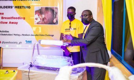 Africa Health Supplies donates Phototherapy equipment, cash to Pediatric Society of Ghana