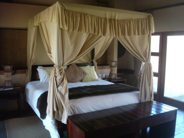 Inyati Chalet bedroom