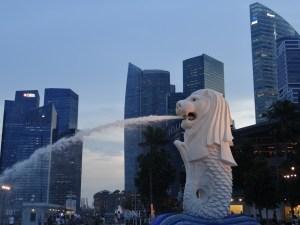 SIngapore marina - lion water