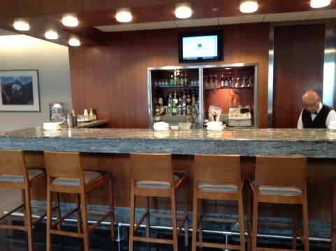 Bar at American Airways PHL Lounge Terminal B/C