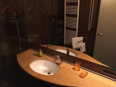 Fenice Apartment bathroom