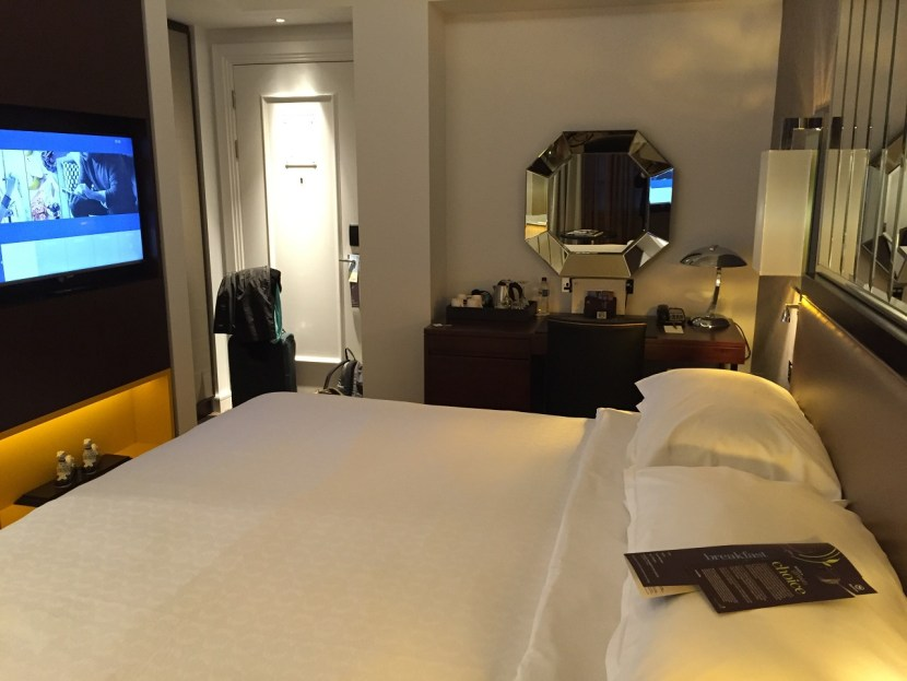Renovated room Sheraton Park Lane Hotel London King Room