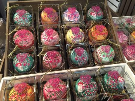 Taste of London Sari Cake