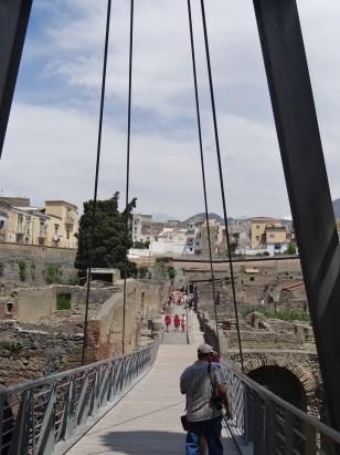 Herculaneum bridge entry