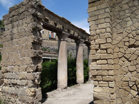 Herculaneum street view