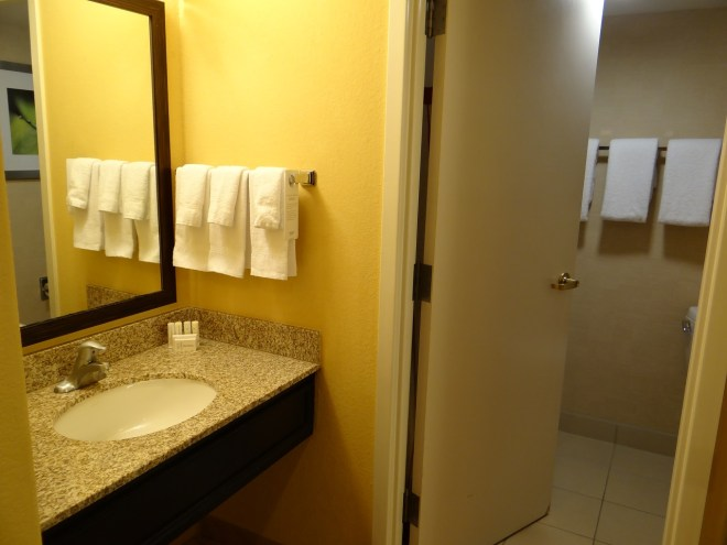 Marriott Courtyard Page Lake Powell bathroom