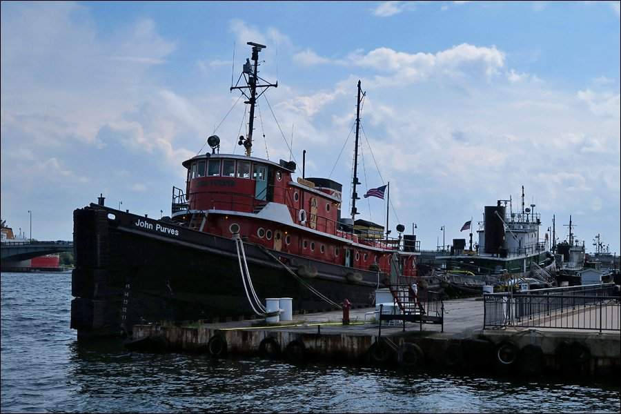 Tugs at Sturgeon Bay
